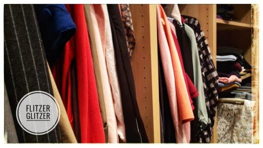 Buntes Allerlei auf den Kleiderstangen